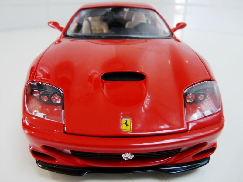 Ferrari 550 Maranello - 1996 - BBurago 1/18 ème Ferra122