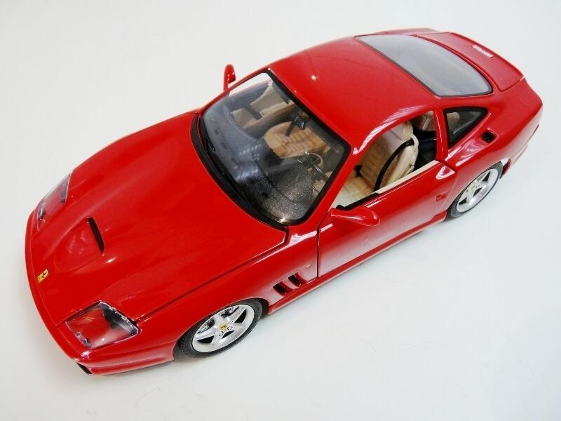 Ferrari 550 Maranello - 1996 - BBurago 1/18 ème Ferra125