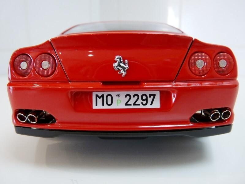 Ferrari 550 Maranello - 1996 - BBurago 1/18 ème Ferra127