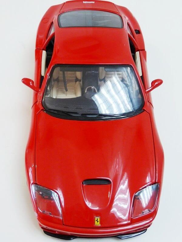 Ferrari 550 Maranello - 1996 - BBurago 1/18 ème Ferra129
