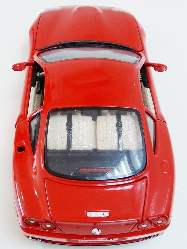 Ferrari 550 Maranello - 1996 - BBurago 1/18 ème Ferra130