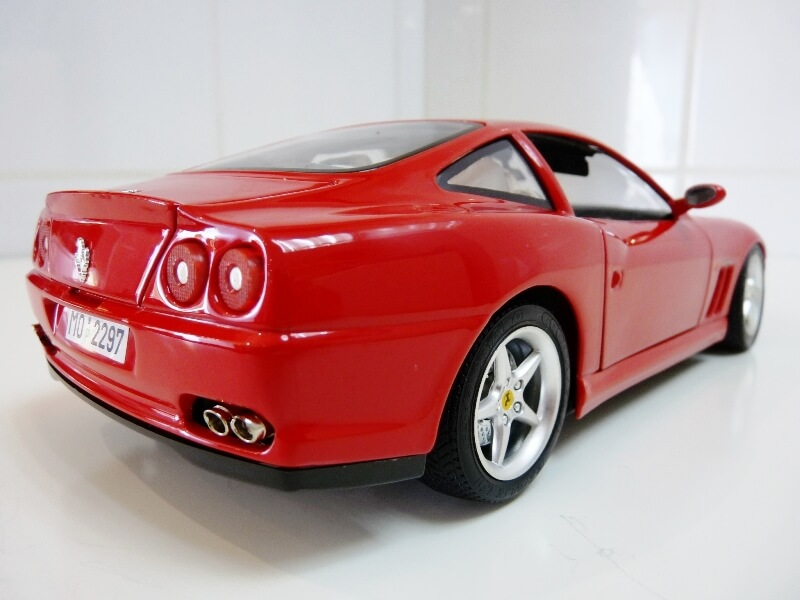 Ferrari 550 Maranello - 1996 - BBurago 1/18 ème Ferra131