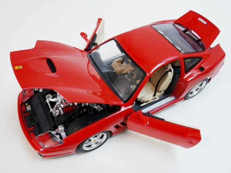 Ferrari 550 Maranello - 1996 - BBurago 1/18 ème Ferra132
