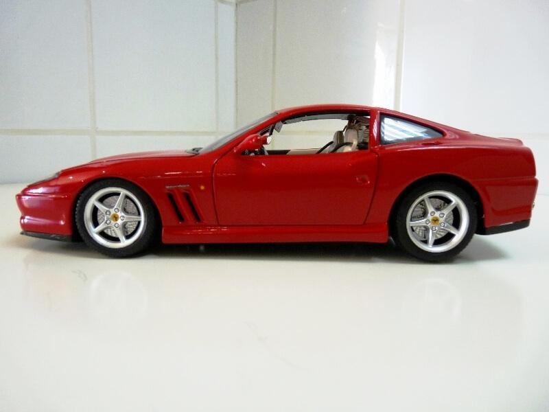 Ferrari 550 Maranello - 1996 - BBurago 1/18 ème Ferra133
