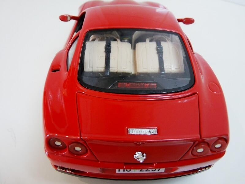 Ferrari 550 Maranello - 1996 - BBurago 1/18 ème Ferra134