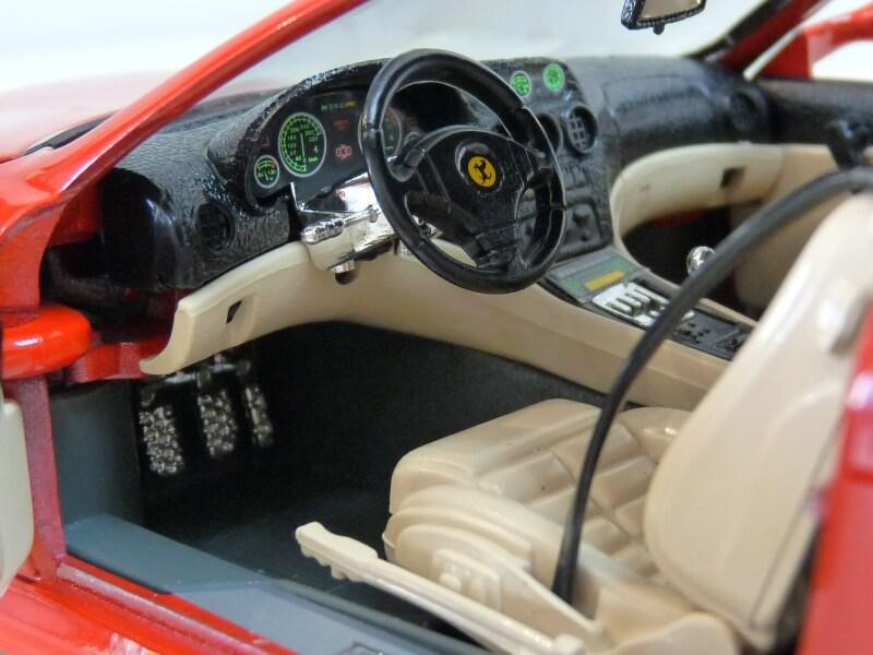 Ferrari 550 Maranello - 1996 - BBurago 1/18 ème Ferra137
