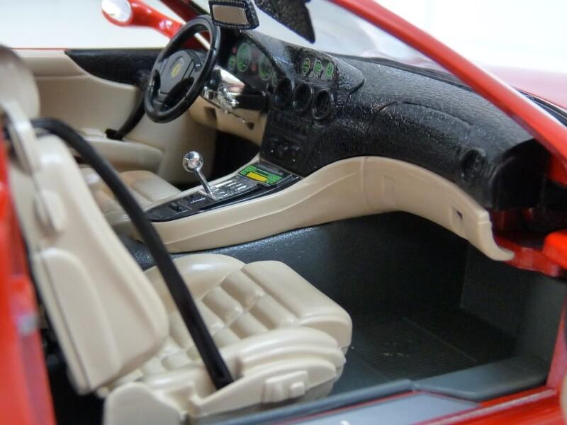 Ferrari 550 Maranello - 1996 - BBurago 1/18 ème Ferra139