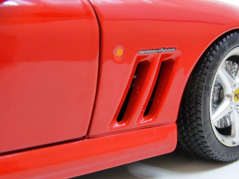 Ferrari 550 Maranello - 1996 - BBurago 1/18 ème Ferra140