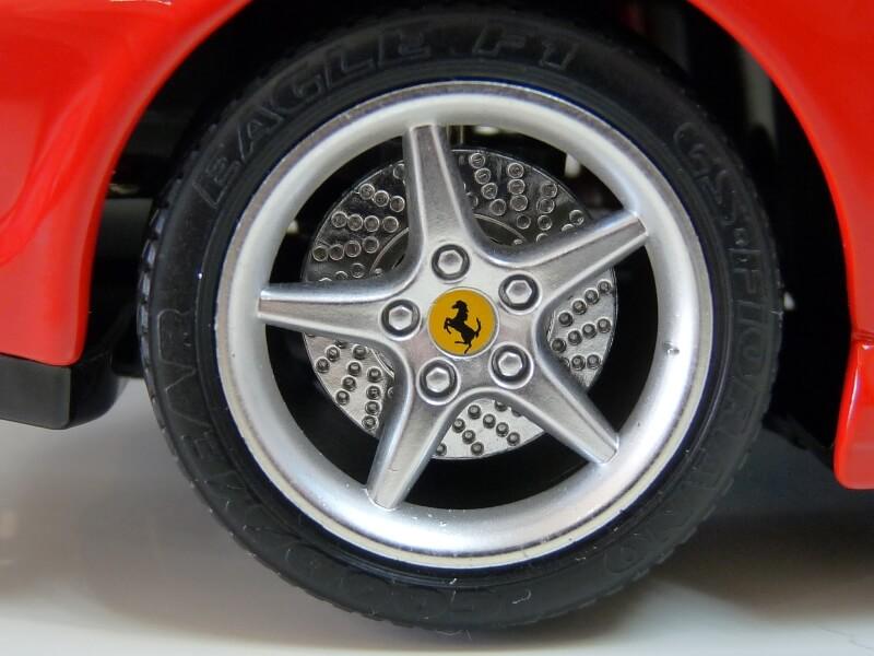 Ferrari 550 Maranello - 1996 - BBurago 1/18 ème Ferra141