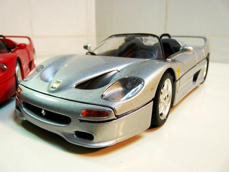 Ferrari F50 - 1995 - BBurago 1/18 ème Ferra149