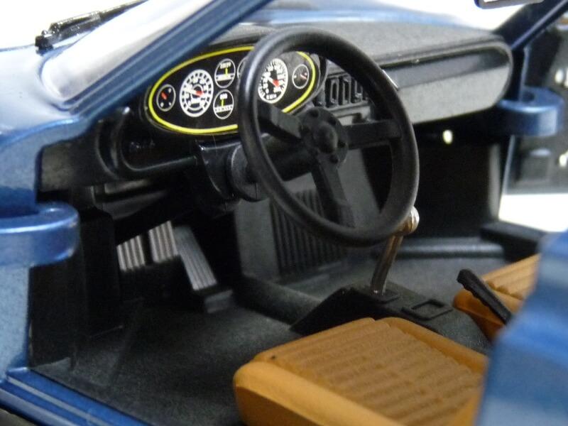 Ferrari Dino 246 GT - 1969 - Anson 1/18 ème Ferrar32