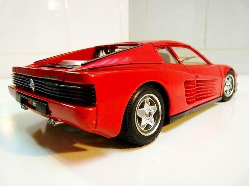 Ferrari Testarossa - 1984 - BBurago 1/18 ème Ferrar52