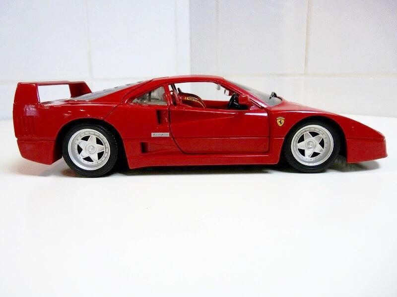 Ferrari F40 - 1987 - Jouef Evolution 1/18 ème Ferrar70