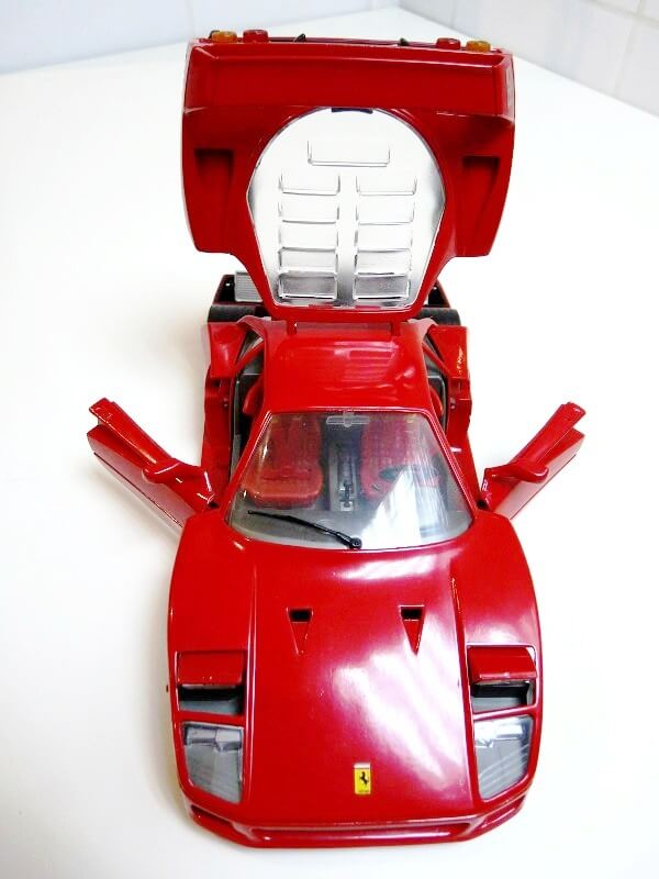 Ferrari F40 - 1987 - Jouef Evolution 1/18 ème Ferrar71