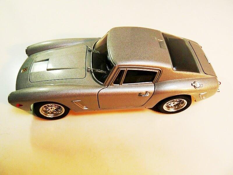 Ferrari 250 GT Berlinette - 1961 - Jouef Evolution 1/18 ème Ferrbe10
