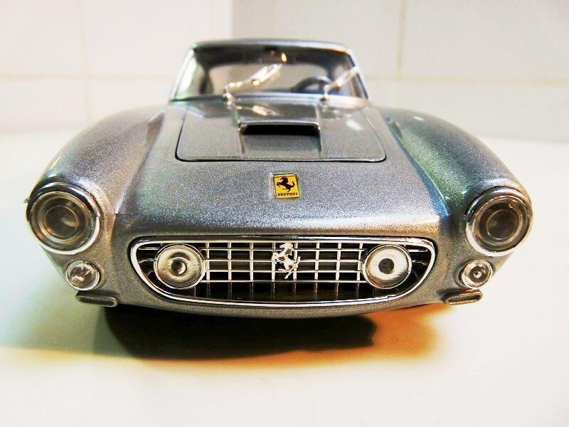 Ferrari 250 GT Berlinette - 1961 - Jouef Evolution 1/18 ème Ferrbe14
