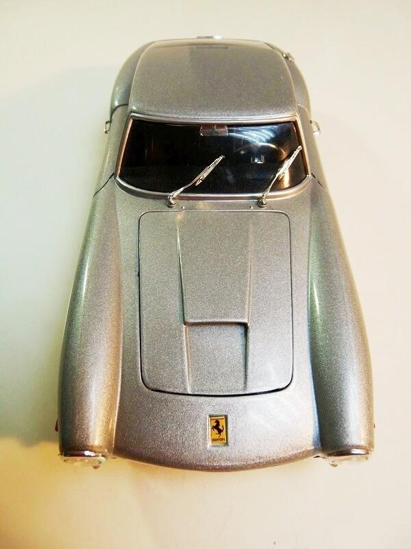 Ferrari 250 GT Berlinette - 1961 - Jouef Evolution 1/18 ème Ferrbe17