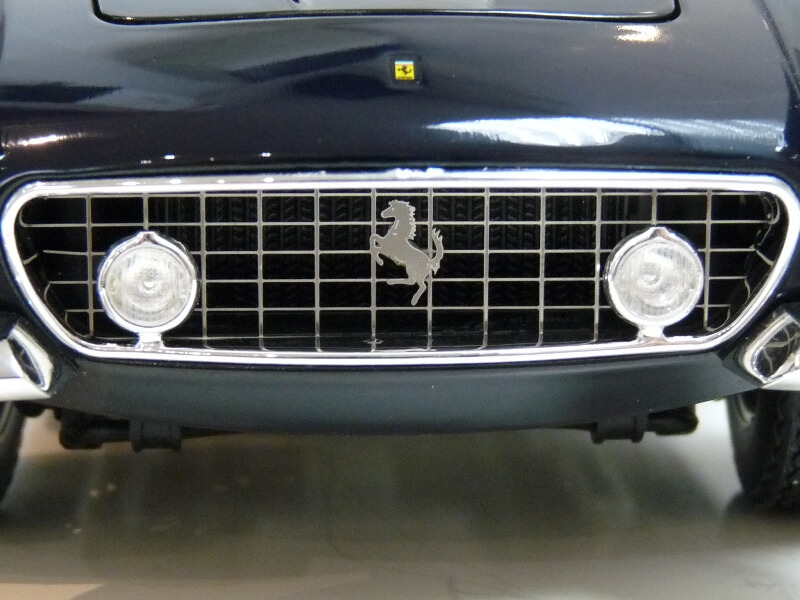 Ferrari 250 GT Berlinetta Passo Corto SWB - 1960 - HotWheels 1/18 ème Ferswb10
