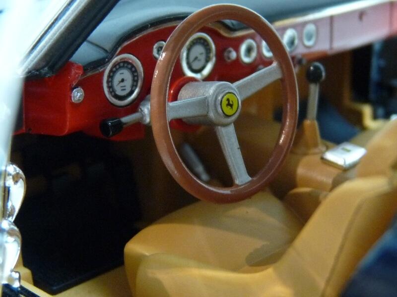 Ferrari 250 GT Berlinetta Passo Corto SWB - 1960 - HotWheels 1/18 ème Ferswb14