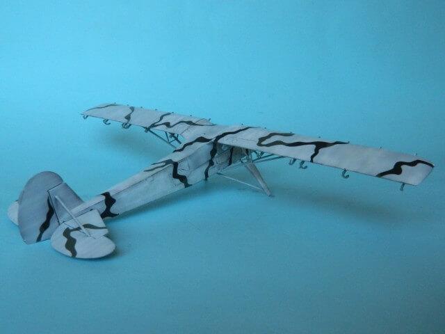 Fieseler Fi-156 - Tamiya 1/48 - Par fombec6 - Fini. Ff02410