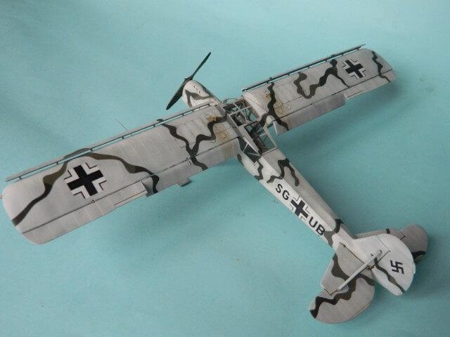 Fieseler Fi-156 - Tamiya 1/48 - Par fombec6 - Fini. Ff03210
