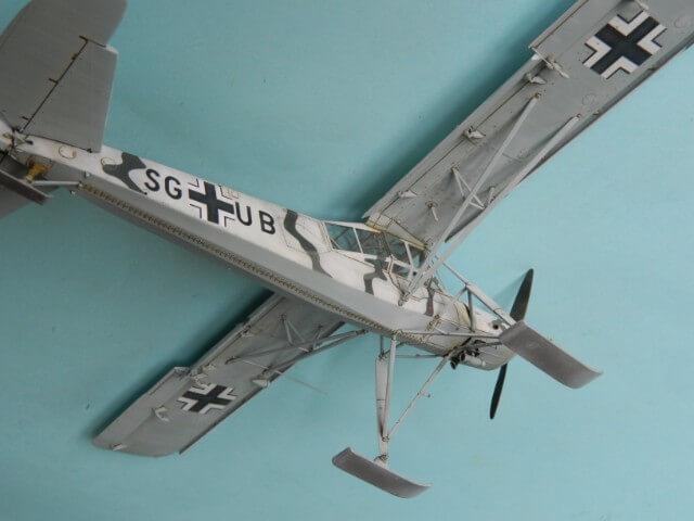 Fieseler Fi-156 - Tamiya 1/48 - Par fombec6 - Fini. Ff03510