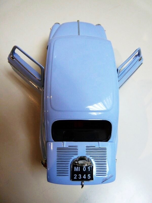 Fiat 600 - 1963 - Solido 1/18 ème Fi600_17