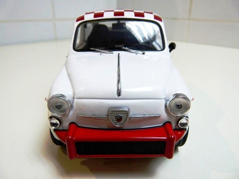Fiat Abarth 850TC - 1961 - Solido 1/18 ème Fiab8514