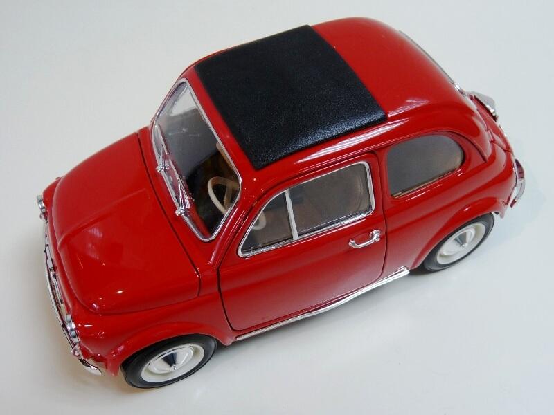 Fiat Nuova 500 - 1964 - BBurago 1/16 ème Finu5018