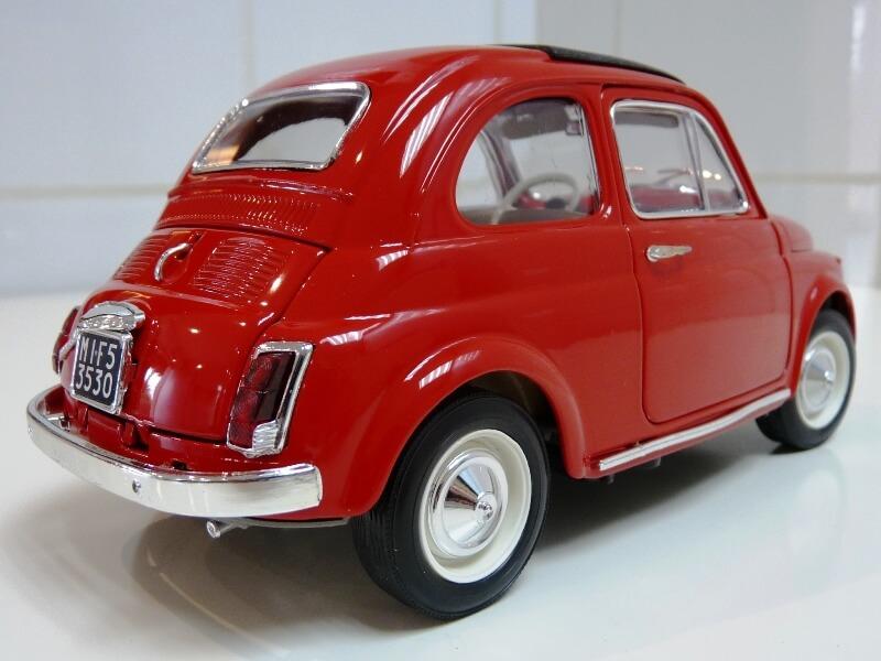 Fiat Nuova 500 - 1964 - BBurago 1/16 ème Finu5024