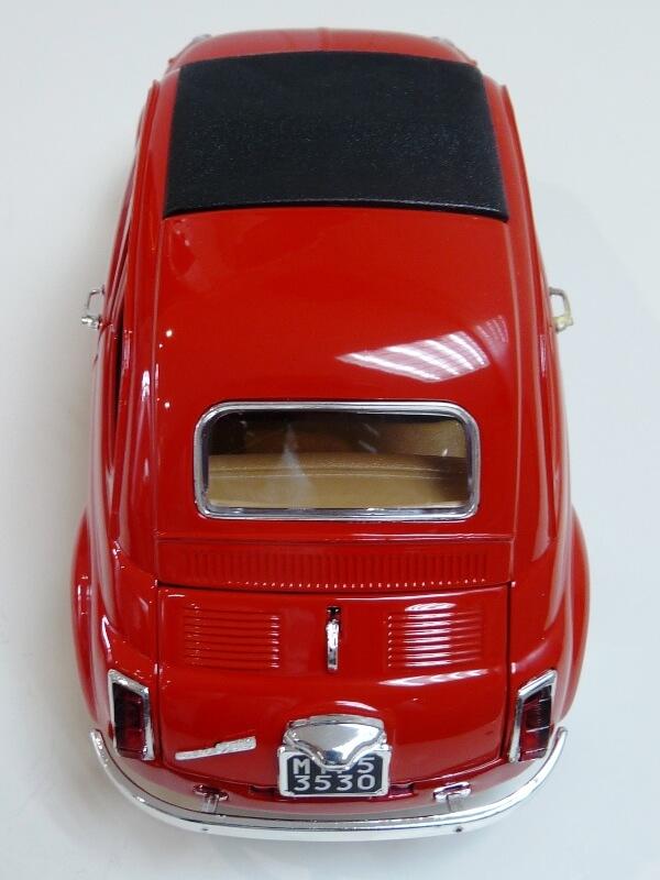 Fiat Nuova 500 - 1964 - BBurago 1/16 ème Finu5026