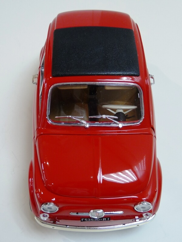Fiat Nuova 500 - 1964 - BBurago 1/16 ème Finu5027