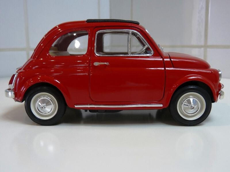 Fiat Nuova 500 - 1964 - BBurago 1/16 ème Finu5028