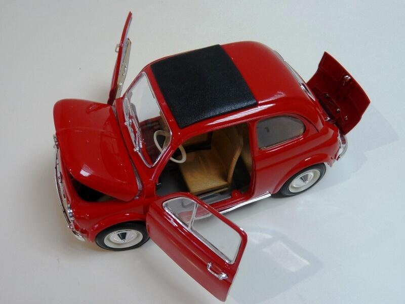 Fiat Nuova 500 - 1964 - BBurago 1/16 ème Finu5029