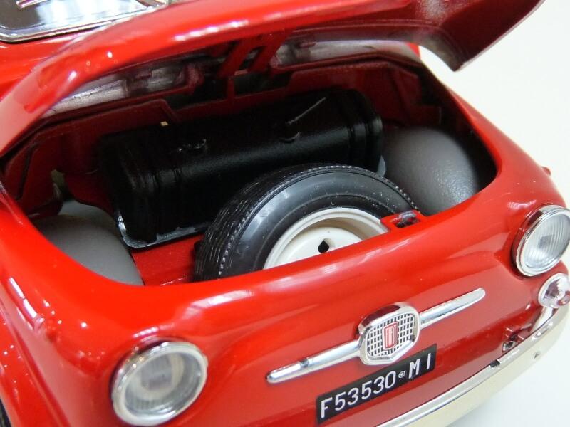 Fiat Nuova 500 - 1964 - BBurago 1/16 ème Finu5030