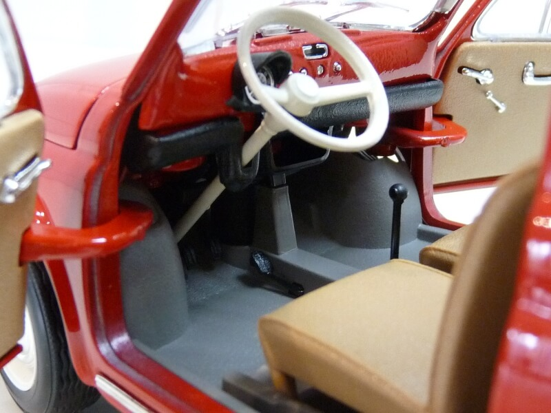 Fiat Nuova 500 - 1964 - BBurago 1/16 ème Finu5031