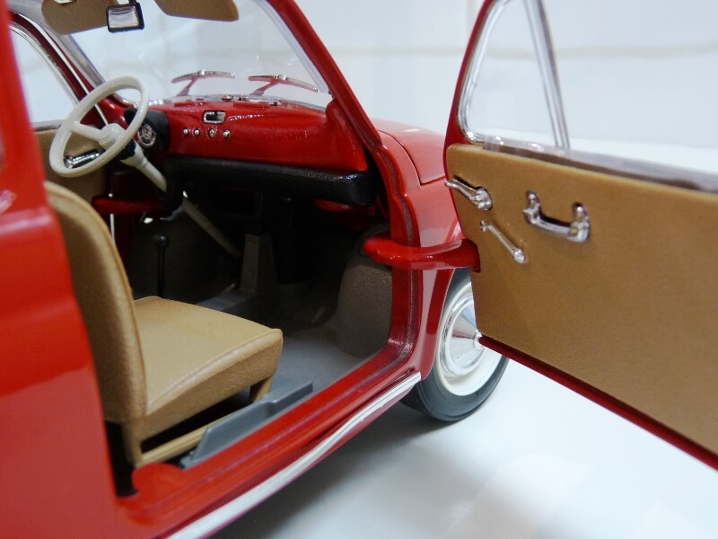 Fiat Nuova 500 - 1964 - BBurago 1/16 ème Finu5032