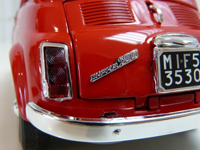 Fiat Nuova 500 - 1964 - BBurago 1/16 ème Finu5033