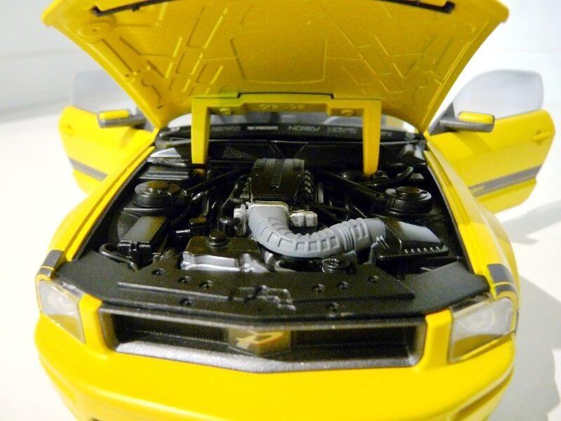 Ford Mustang Césam - 2007 - Norev 1/18 ème Ford_c21