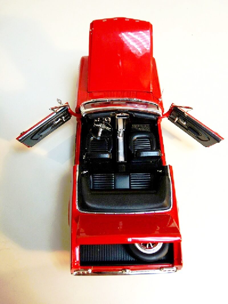 Ford Mustang Cabriolet 1/2 - 1964 - Solido 1/18 ème Ford_m15