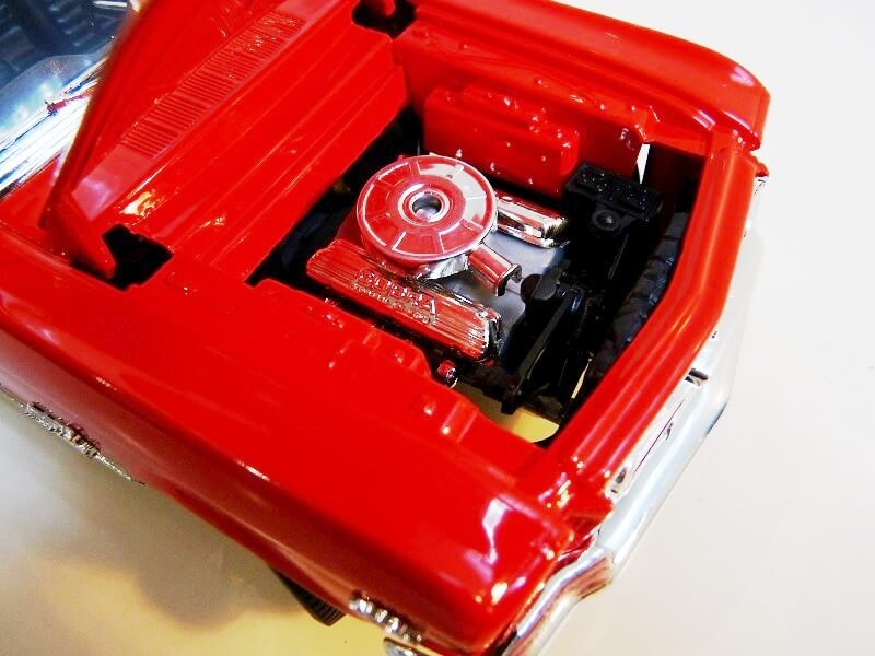 Ford Mustang Cabriolet 1/2 - 1964 - Solido 1/18 ème Ford_m18