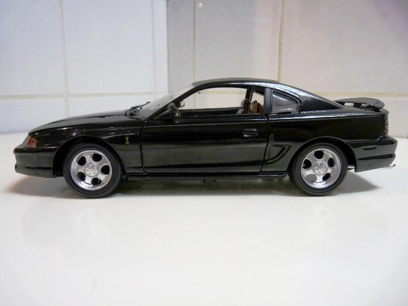 Ford Mustang Cobra Coupé GT - 1994 - Jouef Evolution 1/18 ème Ford_m73