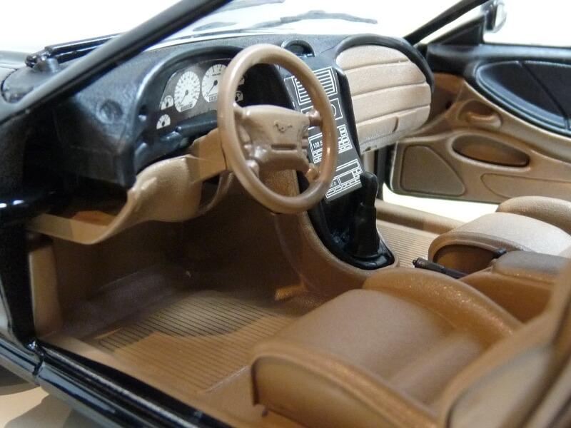 Ford Mustang Cobra Coupé GT - 1994 - Jouef Evolution 1/18 ème Ford_m84
