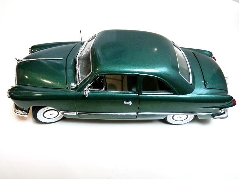 Ford Sedan Berline - 1949 - Solido 1/18 ème Ford_s10