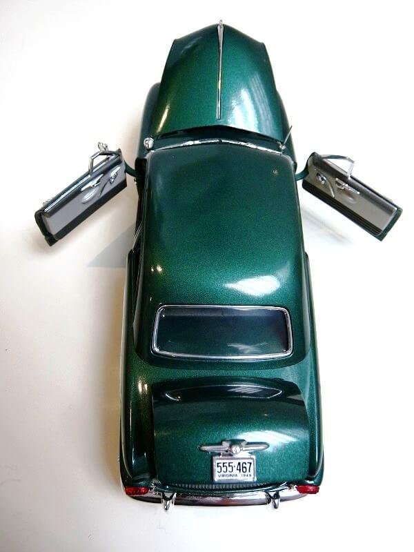 Ford Sedan Berline - 1949 - Solido 1/18 ème Ford_s11