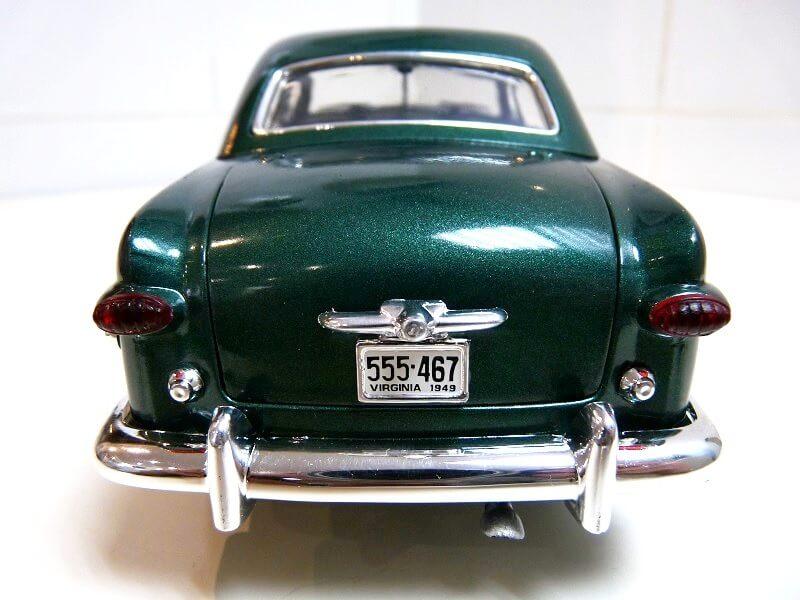 Ford Sedan Berline - 1949 - Solido 1/18 ème Ford_s14