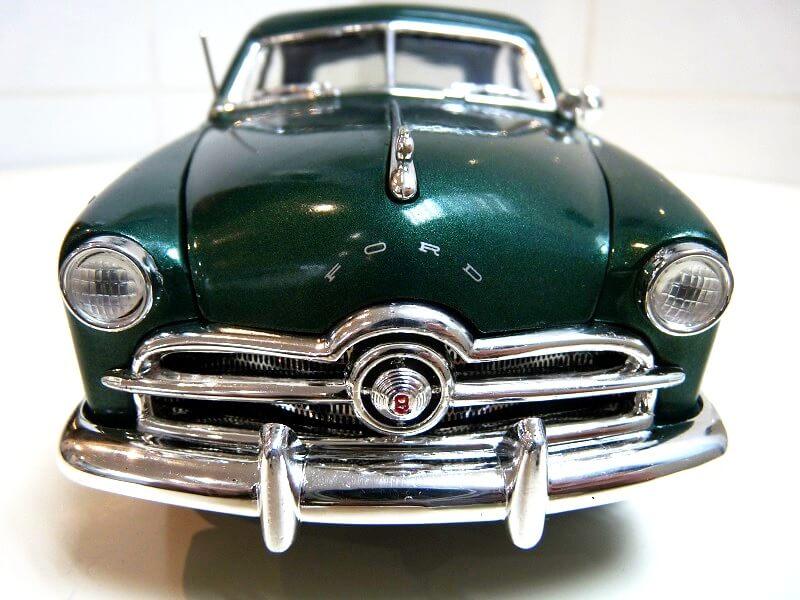 Ford Sedan Berline - 1949 - Solido 1/18 ème Ford_s16