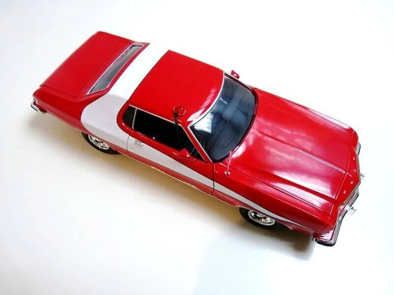 Ford gran torino Starsky & Hutch - 1976 - ERTL 1/18 ème Ford_s27