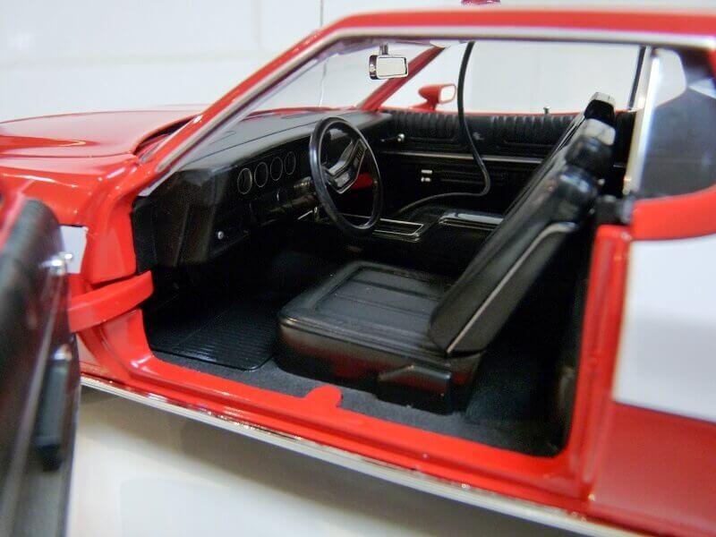 Ford gran torino Starsky & Hutch - 1976 - ERTL 1/18 ème Ford_s39