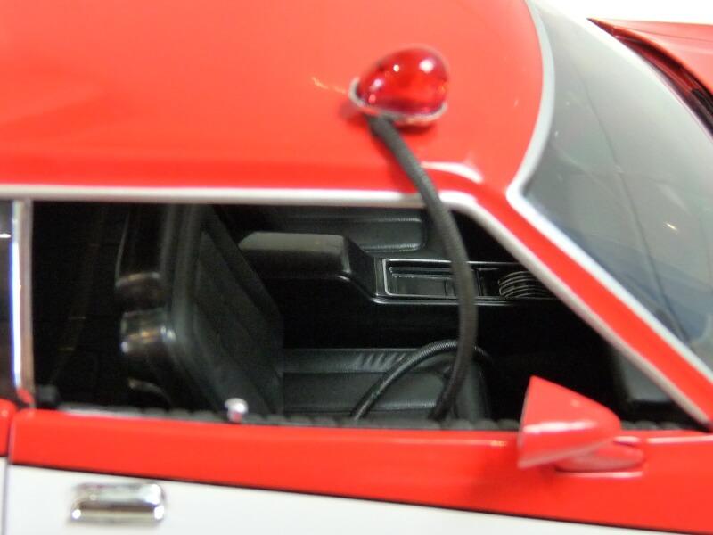 Ford gran torino Starsky & Hutch - 1976 - ERTL 1/18 ème Ford_s40